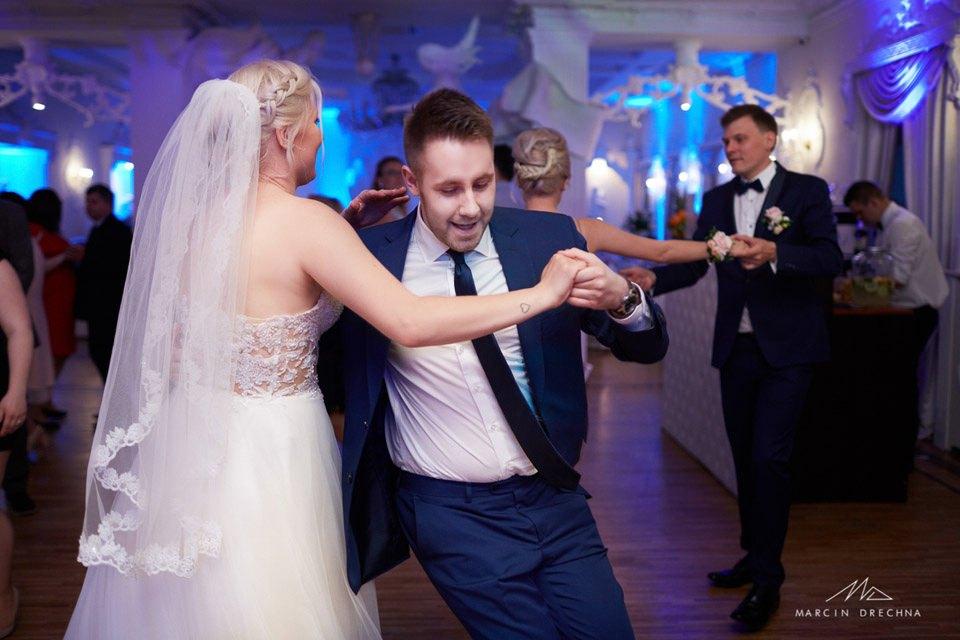 biały pałac niesięcin fotografia ślubna