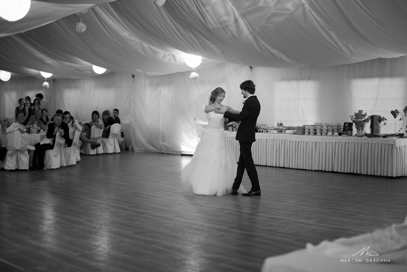 pierwszy taniec zdjęcia ślubne podklasztorze