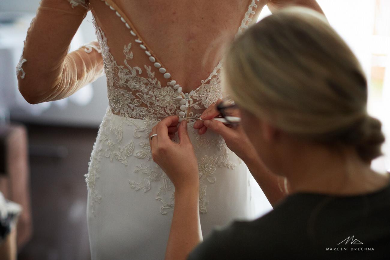 zakładanie sukni ślubnej dąbrowa górnicza
