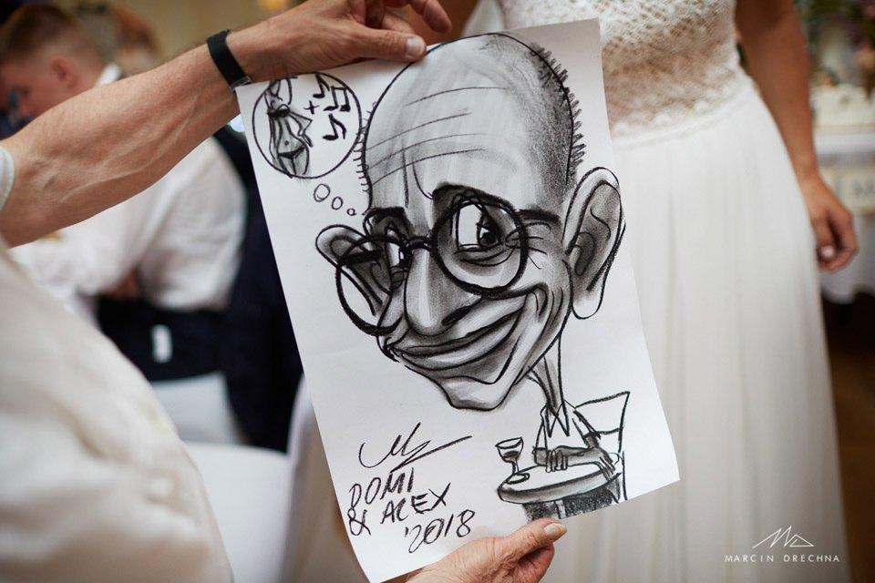 karykaturzysta na weselu