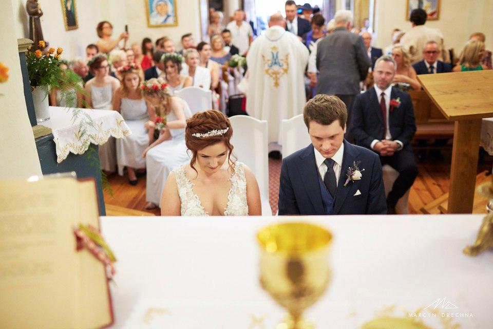 kościół w Siedlątkowie fotograf ślubny