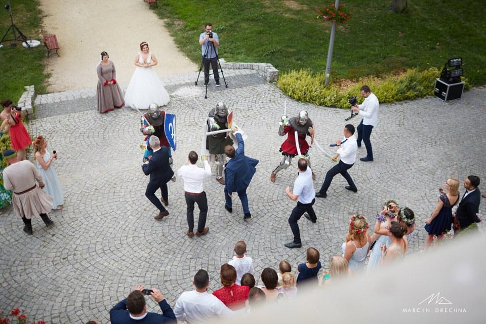 rycerze atrakcją na weselu