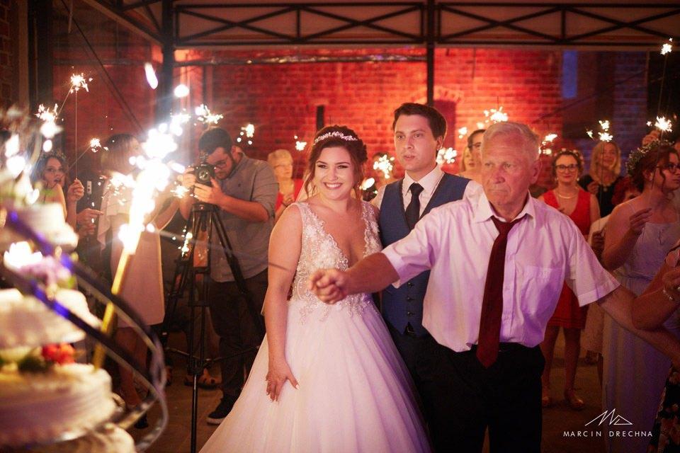 sesja ślubna zamek uniejów