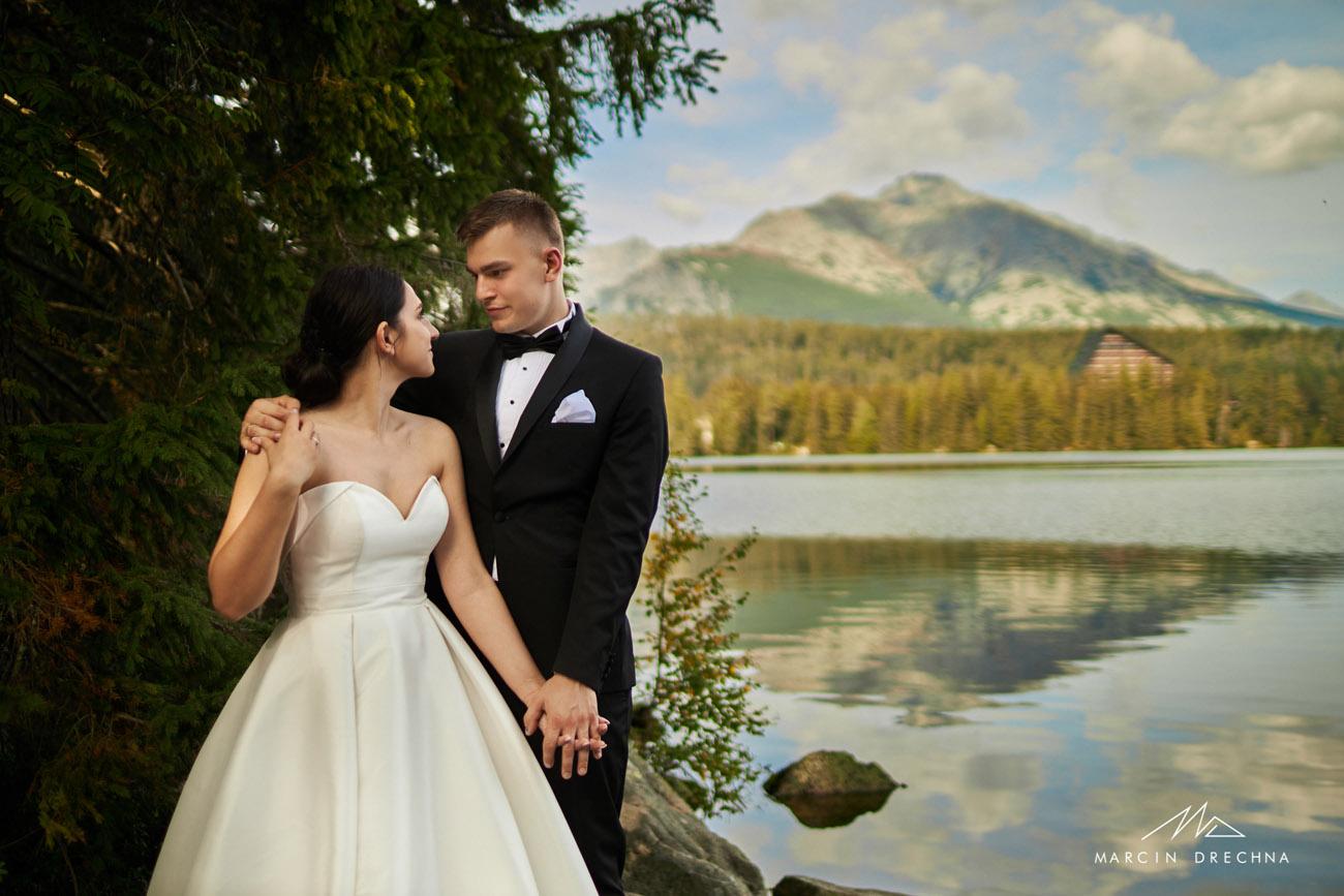 Sesja ślubna na Słowacji szczyrbskie jezioro